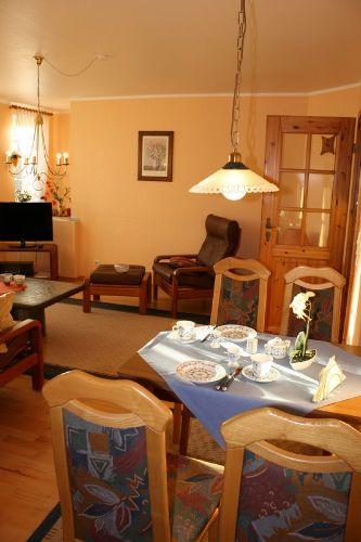 Essbereich / Wohnzimmer (Wohnung Carina)