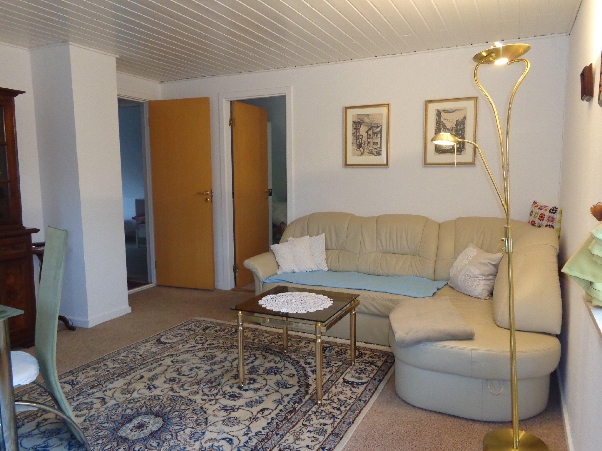 2. Schlafzimmer mit Sofa