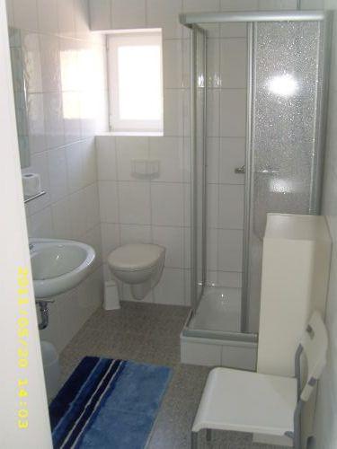 die Badezimmer bieten viel Platz