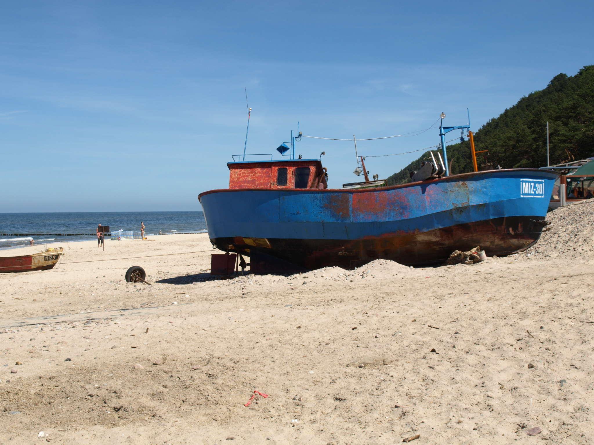 Fischerkutter am Strand