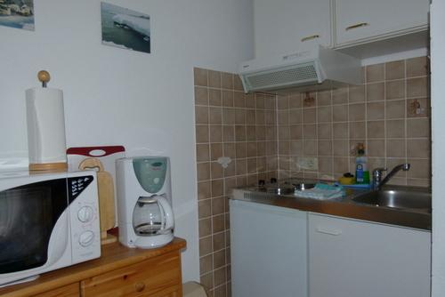Kochecke mit Miniküche, Microwelle
