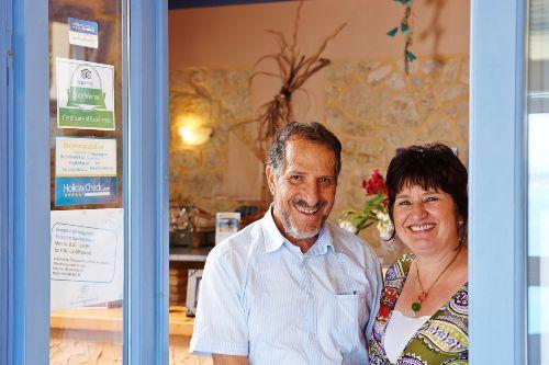 Ihre Gastgeber Petra und Janis Zantiotis