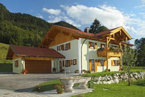 Neu erbautes Zuhause mit Ferienwohnungen