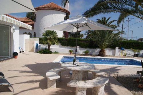 Sonnenplatz mit Pool