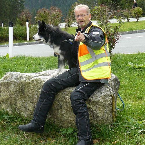 Vermieter M. Weber mit seinem Hund