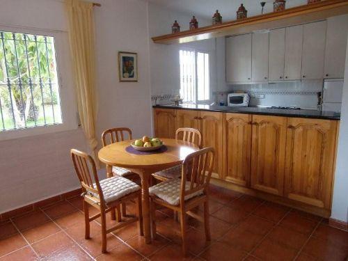 Essecke mit Blick auf Küche