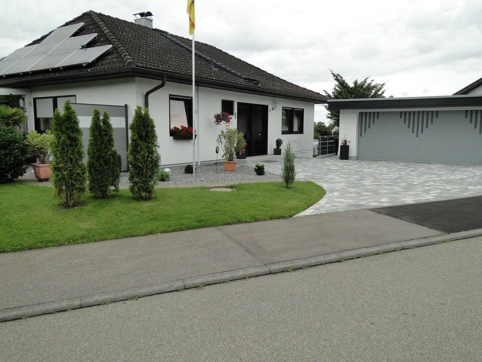 Fewo mit Terrasse und Garten