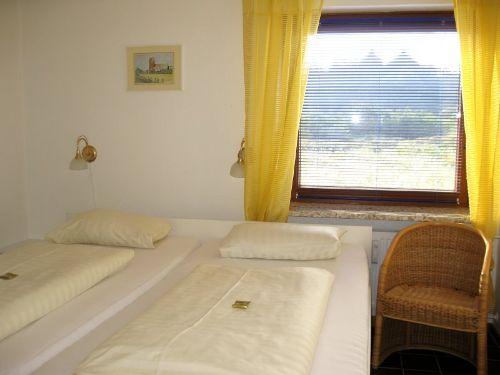 Schlafraum im EG mit Doppelbett(200x200)