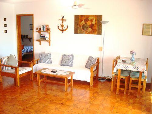Ger�umiges Wohnzimmer