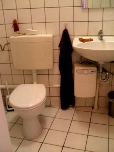 WC mit Waschbecken