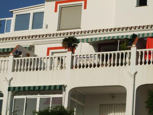 Großzügiger Balkon der Wohnung