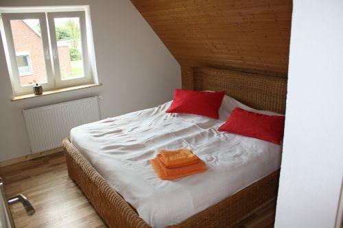 Das Schlafzimmer - Holz und Kalkputz