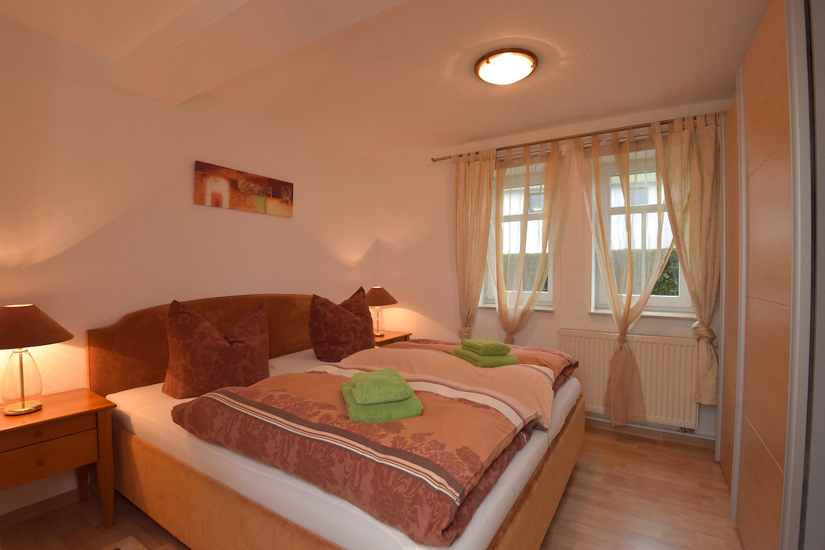 Ferienwohnung 4 (Schlafzimmer)