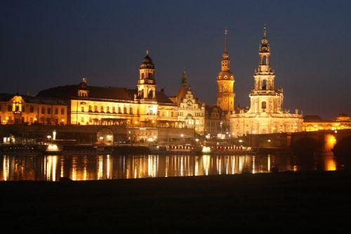 Historische Altstadt Dresden bei Nacht