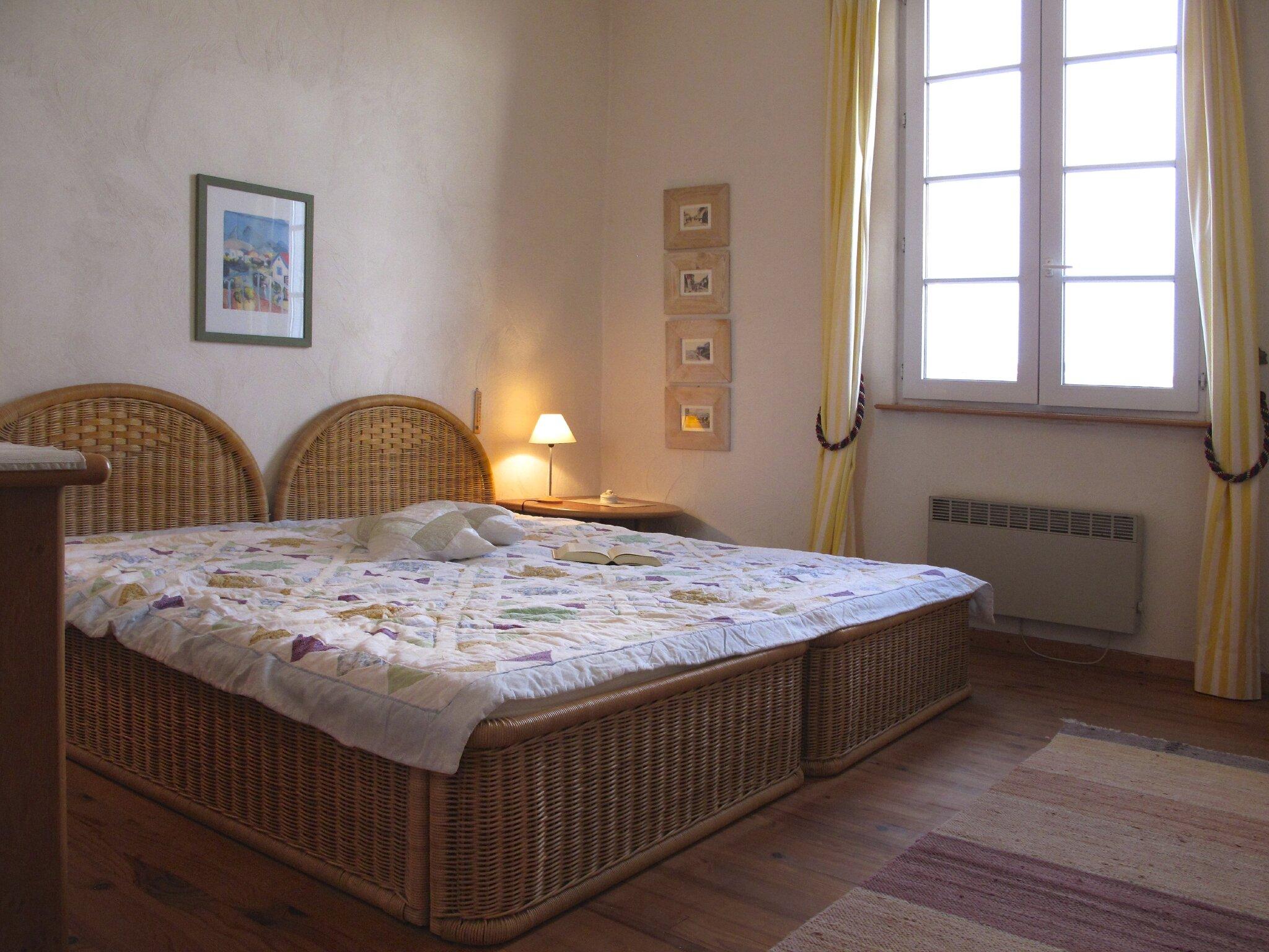 Schlafzimmer, 2 Betten 100x200