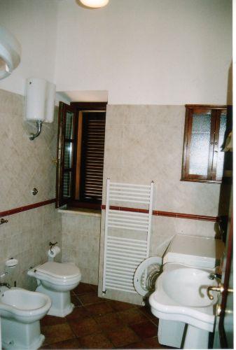 App. SATURNIA:Duschbad mit Waschmaschine
