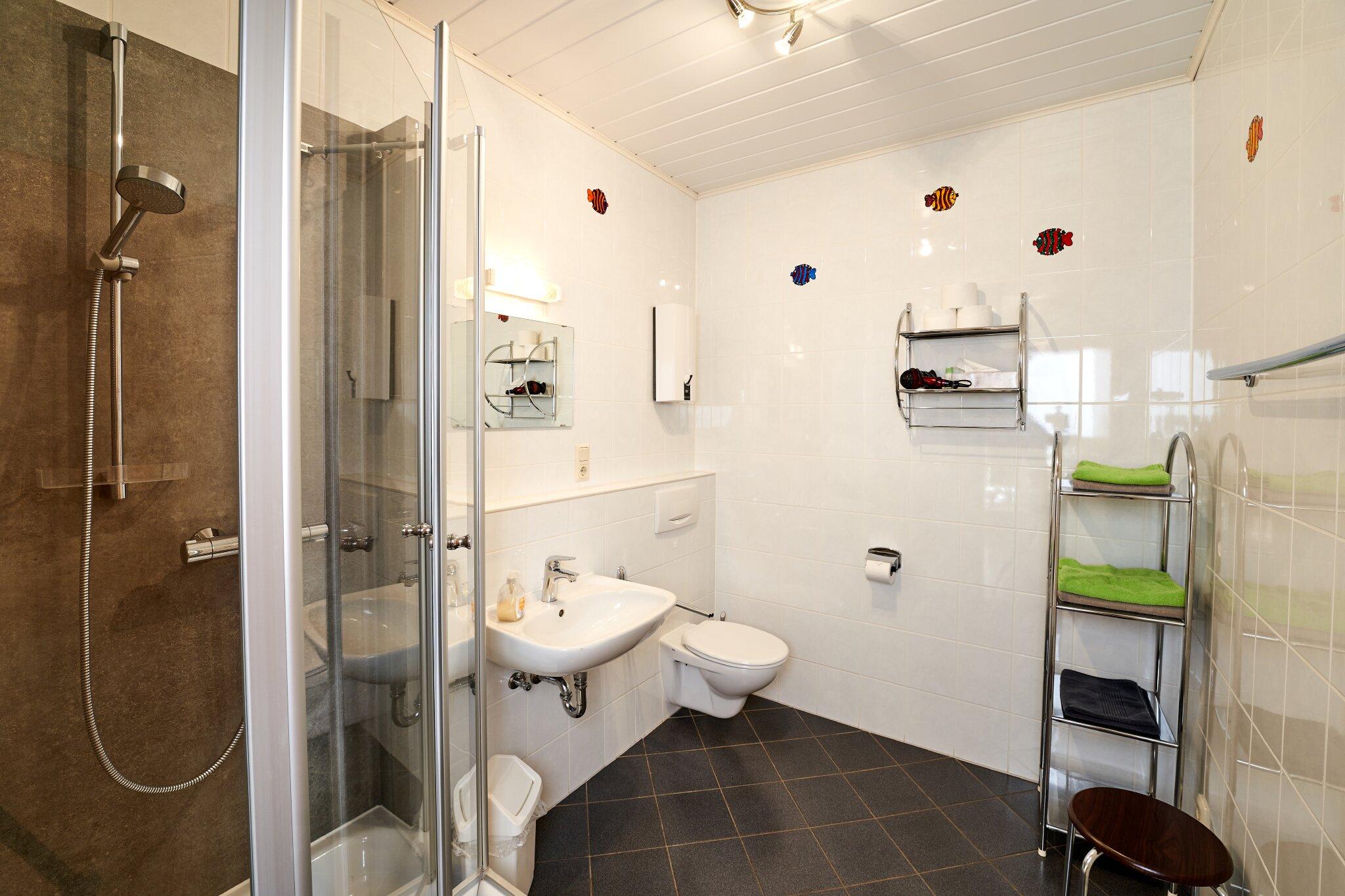 Fewo II, Bad mit Dusche und WC