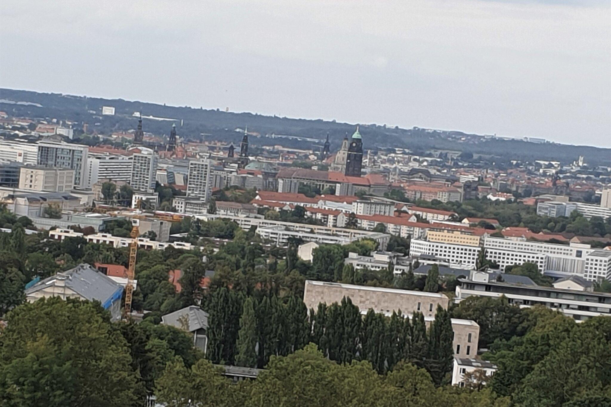 Wohngebiet / Blick nach Dresden