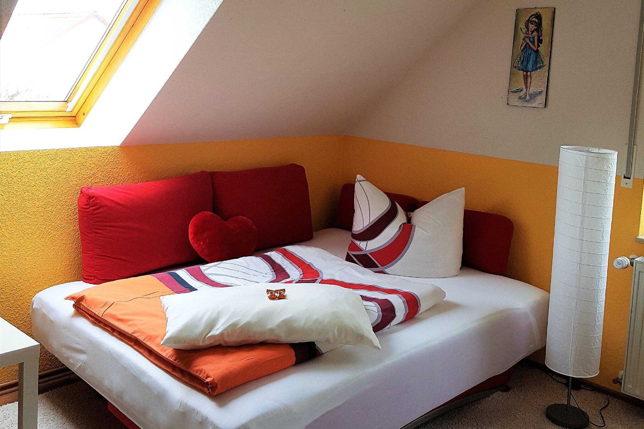Wohnraum mit Schlafcouch