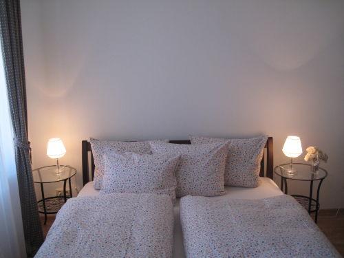 Doppelbett 200x200 cm