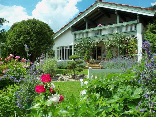 von Wohnung B - Blick in den Garten