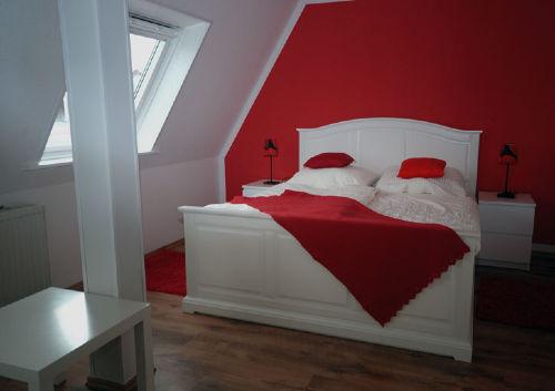 Dreibettschlafzimmer Doppelbett