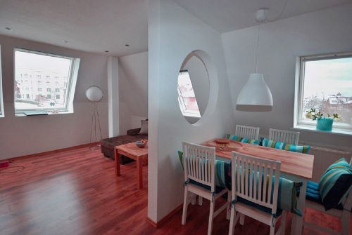 Eßplatz und Wohnzimmer