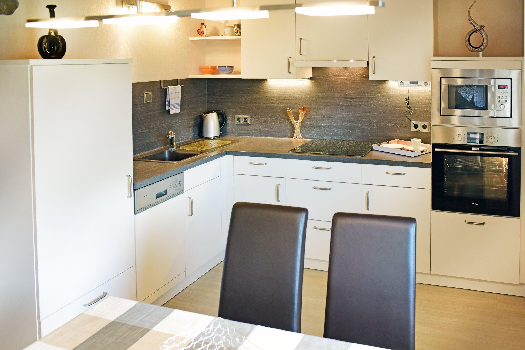 Whg. 2 und Whg. 3 Küchenzeile