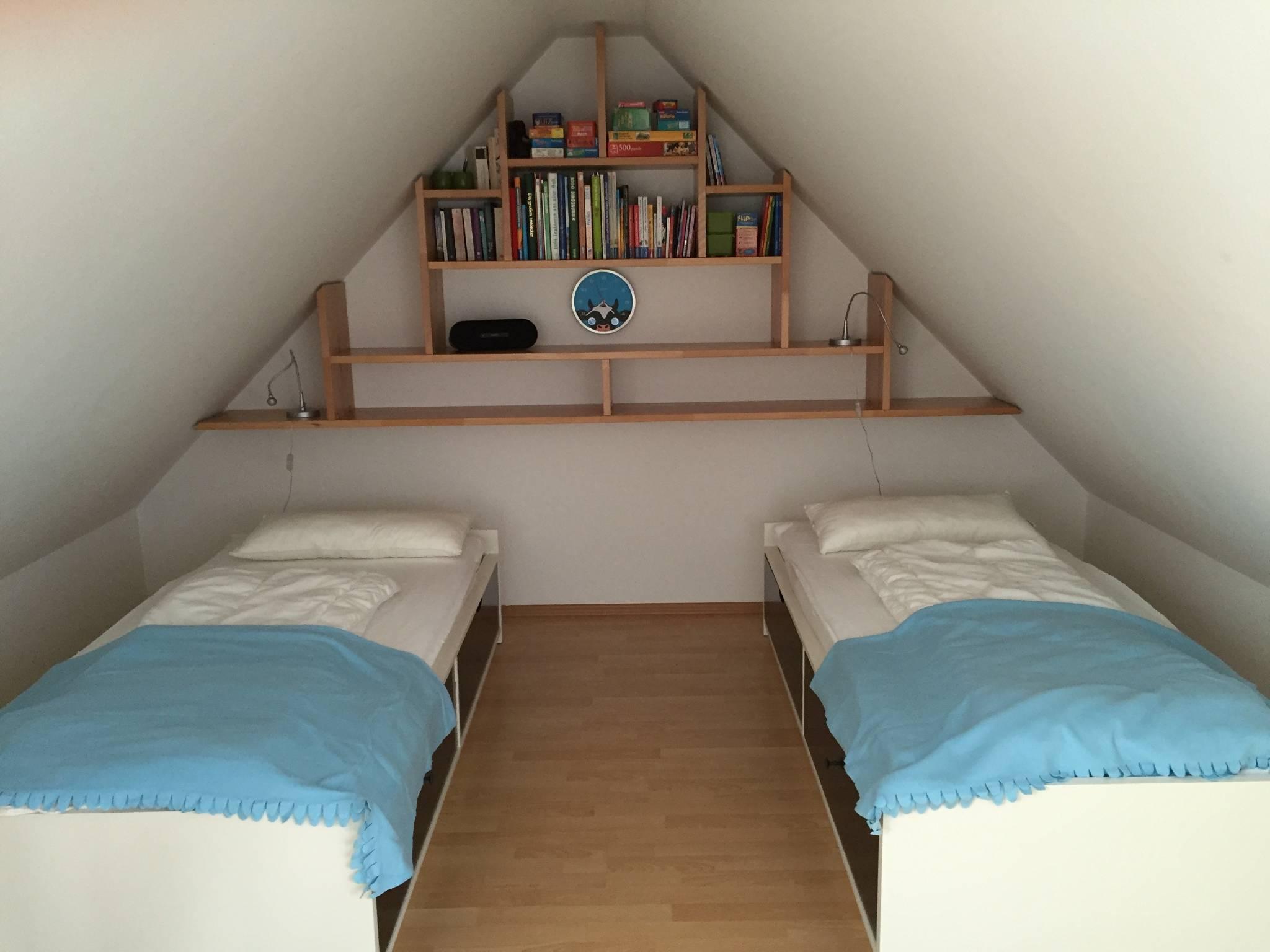 Schlafraum oben mit 2 Einzelbetten