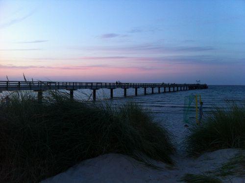 Sonnenuntergang an der Seebr�cke