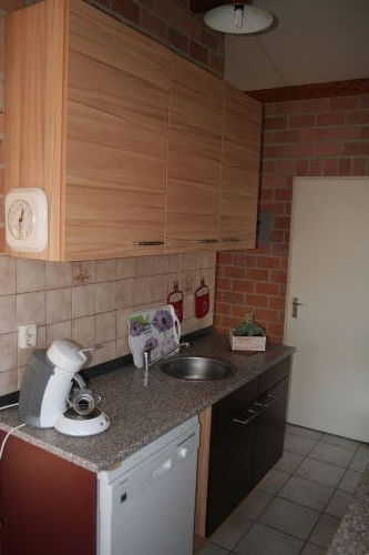 Neue Küche mit Spülmaschine