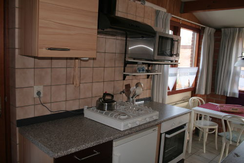 Geräumige, neue Küche