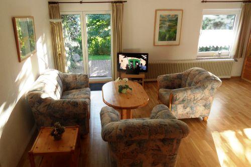 Wohnzimmer mit Apartment-Doppelbett