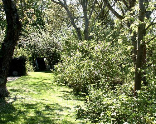 Kunst im Innenhof: Unsere vier Töchter
