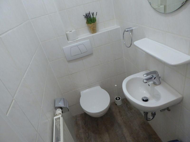 das G�ste-WC im Erdgeschoss