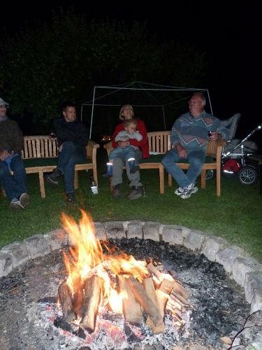 Lagerfeuerromantik auf dem Birkethof