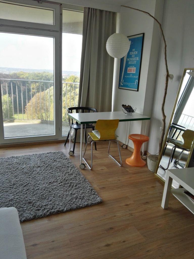 Wohnraum TV und Schrank