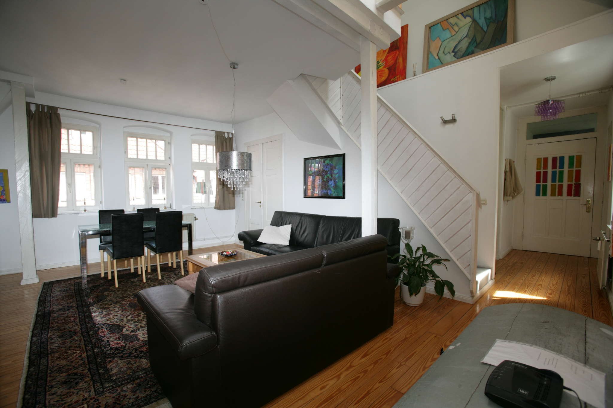 Helles und geräumiges Wohnzimmer