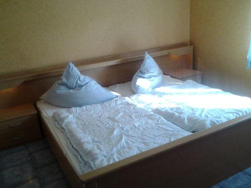 Doppelbett Elternschlafzimmer