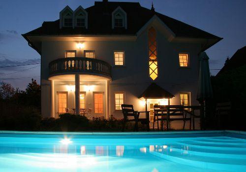 Villa Neitzer Nacht