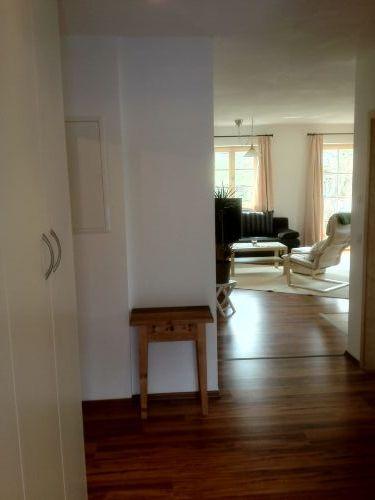 Blick vom Flur richtung Wohnbereich