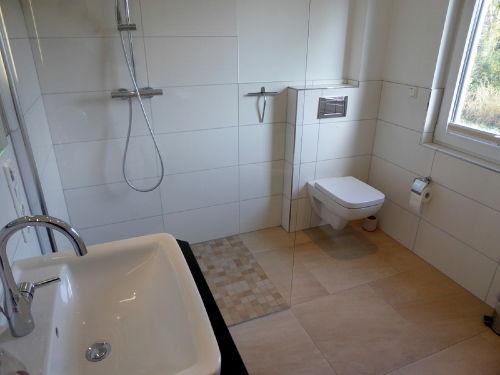 Wellness pur im großen Badezimmer