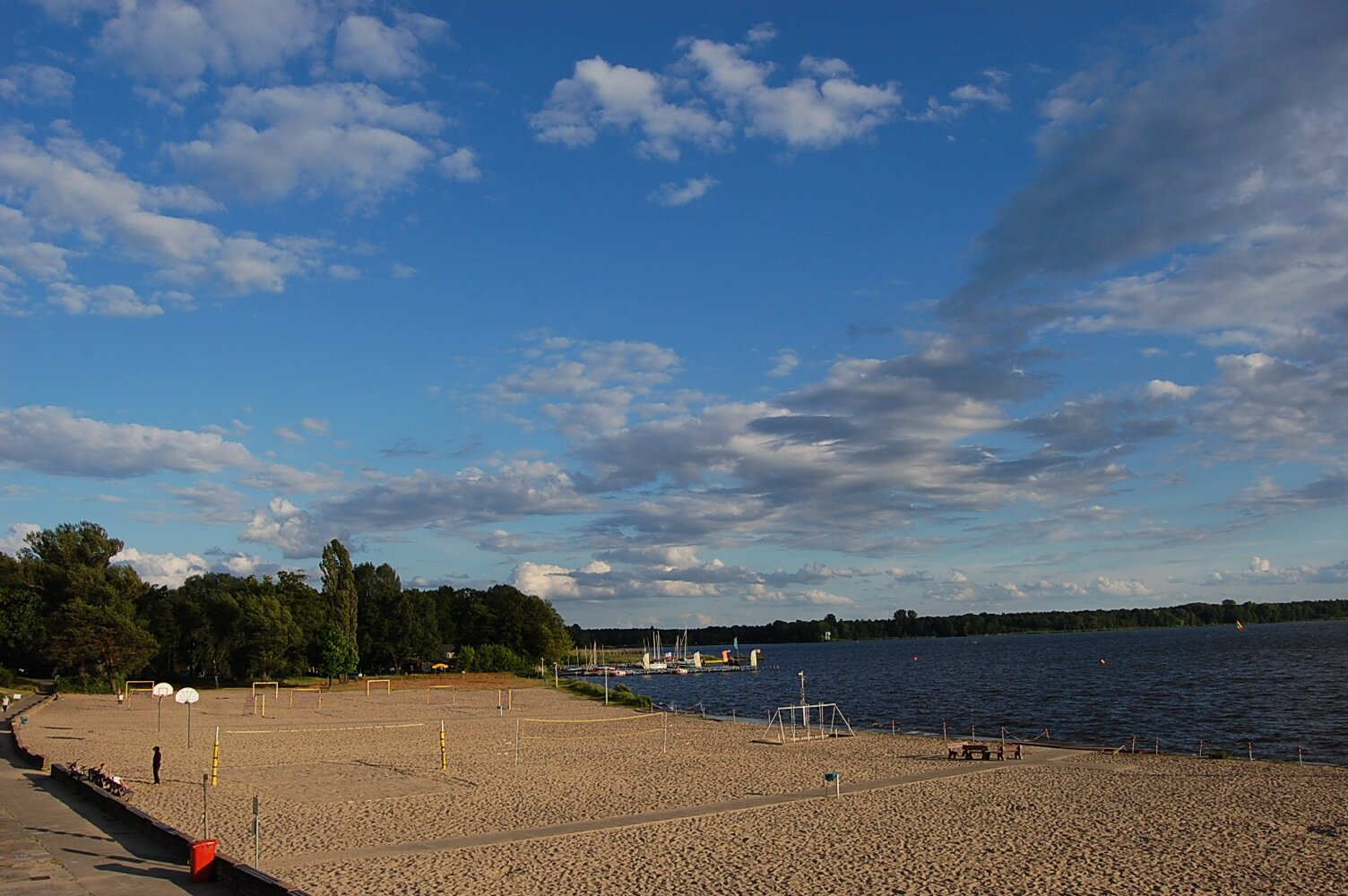 Strandbad mit Bootsverleih