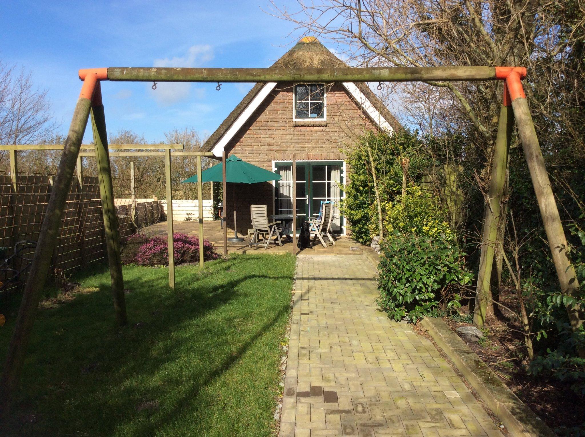 Terrasse mit abgeschlossen Garten