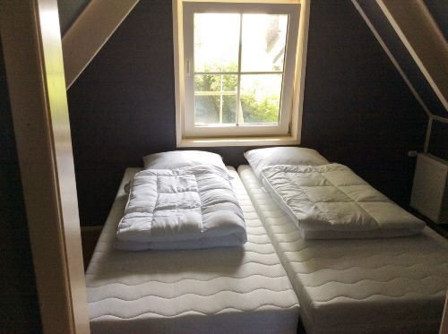 Schlafzimmer, Betten 90x200cm.