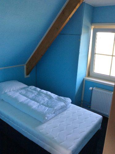 Schlafzimmer, Bett 90x200cm.