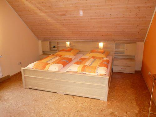 1. Schlafzimmer mit Doppelbett