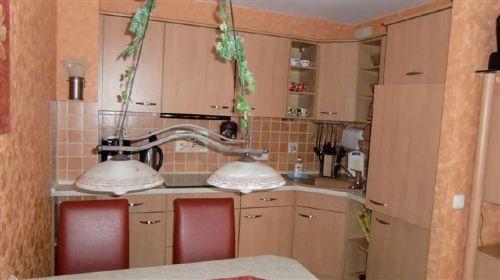 Einbauküche mit Essplatz A2