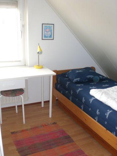Einzelzimmer mit Babybett