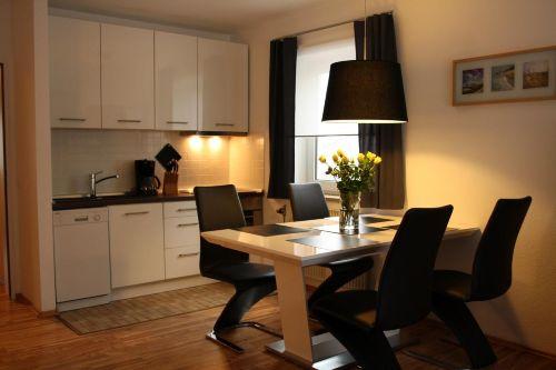 Offene Küche zum Ess- und Wohnbereich